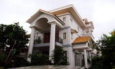 Big Garden Villa For Rent in Tran Nao District 2 Ho Chi Minh City