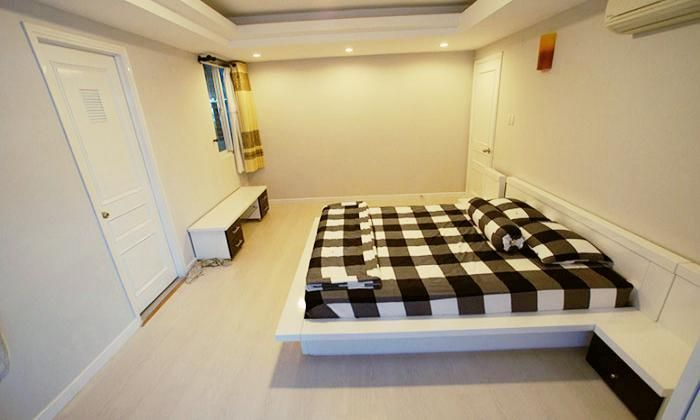 Luxury Two Bedrooms Serviced Apartment For Rent in International Plaza