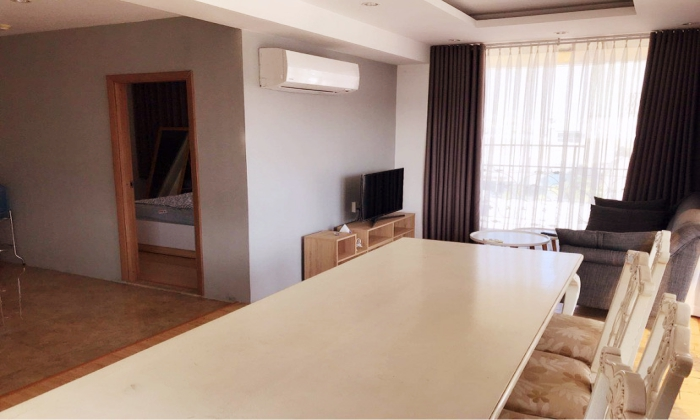 Two Balconies One Bedroom Apartment For Rent in Ly Chi Thang District 3 Ho Chi Minh City
